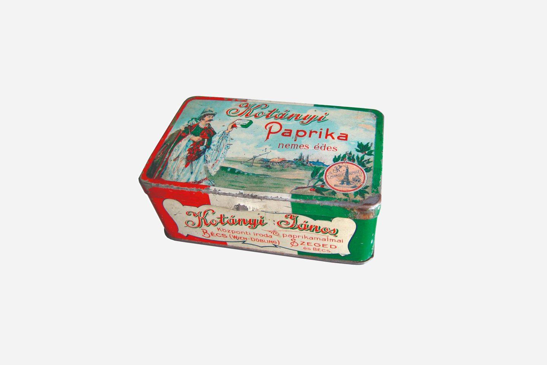 Embalaža mlete paprike Kotányi iz leta 1900
