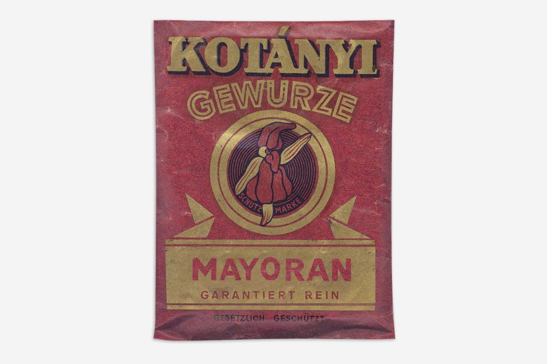 Vrečka majarona Kotányi iz leta 1900.